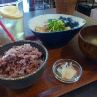 豚角と煮玉子のやわらか煮ランチ(シズク (shizuku))