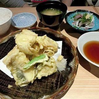 海鮮天麩羅定食(すし・魚処 のへそ 博多店)
