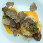 リコッタチーズを詰めたラヴィオリ⁂ 鴨ボロネーゼ ⁂ トリュフ添え