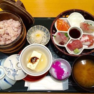 お刺身六種盛り定食➕じゃこ(ためつ食堂 )