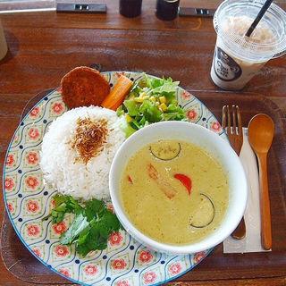 海老と野菜のグリーンカレー(チャイ ティー カフェ イオンモール幕張新都心店 (Chai Tea Cafe))