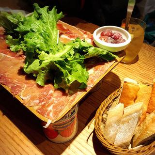 元祖!イタリア産生ハムとサラミのてんこ盛り(ディプント 恵比寿店 (Di PUNTO))