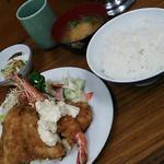 C定食(アジ・海老・ホタテ)