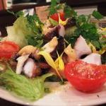 明石蛸のサラダ・あまほりさんのトマトのトッピング