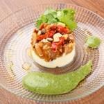 国産鶏塩麹ローストとカマンベールムース香菜泡ソース