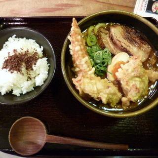 キングカレーうどん(のら豚屋 新宿通四谷店 )