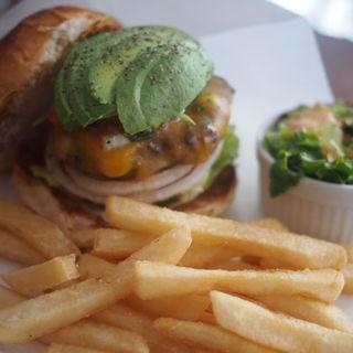 フレッシュサルサチーズバーガー アボカド追加(バーガーマニア 恵比寿店 (Burger Mania))