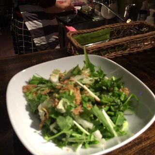 パクチーと冬野菜のサラダ(8889 (ハチハチハチキュウ))