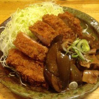 豚バラとなすの味噌炒めがけロースかつ(パセリ )