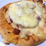 ベーコントマトピザ