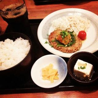 和風おろしハンバーグ定食(はなの舞 新宿東口店 )