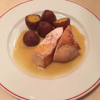 <オードブル>+<メイン料理>+<デザート>+<プチコーヒー>のコース(パリのワイン食堂)