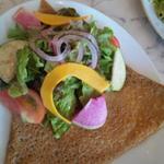 ハムとチーズのそば粉ガレットコンプレ とガーデンサラダ