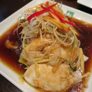 蒸し魚の煮つけ(タイ醤油味)(バンコクキッチン 銀座コリドー街店 (Bangkok Kitchen))