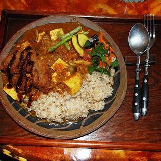 焼きドーフと野菜のみそカレー(ビジタ (Bejita))