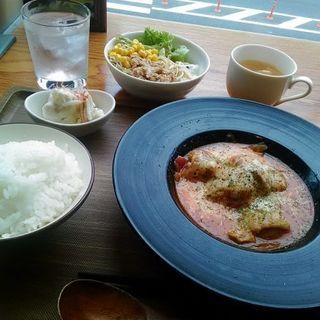 日替り定食(チキンのトマト煮)(ビストロ居酒屋WAIKIKI)