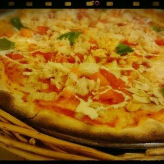 カニとトマトのピッツァ(ピッツェリア 松本つかま店 )