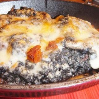 イカスミの焼きチーズリゾット(ブルゴンディセ ヘイメル  )