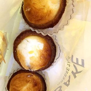 焼きたてチーズタルト(ベイク チーズ タルト 自由が丘店 (BAKE cheese tart))