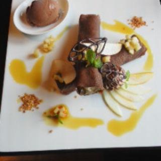 焼きリンゴとショコラのクレープ(ベルアメール 京都別邸 )