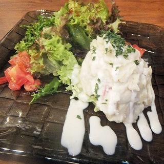 ゴルゴンゾーラのポテトサラダ(ベルサイユの豚 九段下)