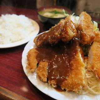 とんかつ定食(ボア炉端レストラン )