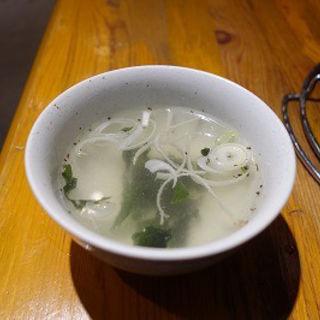 わかめスープ(ホルモンの壺)