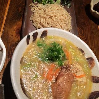 ざる麺と鶏ガララーメン(まこ家 なんば2号店 (【旧店名】鶏鳥kitchen ゆう))