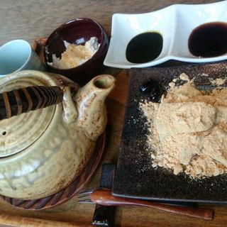 わらび餅フォンデュ(マメゾウアンドカフェ 中之島店 (Mamezo&Cafe))