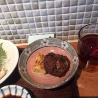 イワシ団子のフライに卵焼き(マルワ食堂)