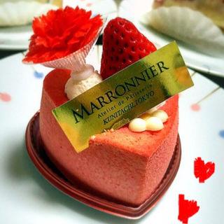 フランボワーズムースのハートケーキ(マロニエ 本店 )