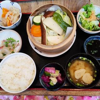 蒸し野菜の御膳(みのる食堂 銀座三越店)