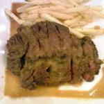 牛肉とポテトフライ