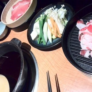 すき焼きしゃぶしゃぶ食べ放題90分(モーモーパラダイス 歌舞伎町牧場 )