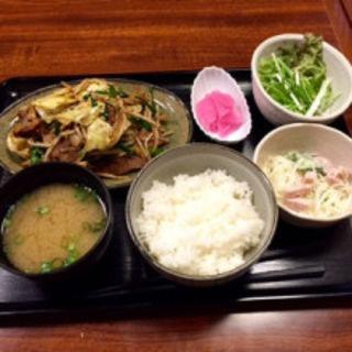 ホルモン野菜炒め(もんちゃん)