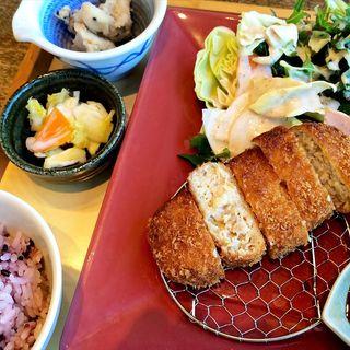 豆腐と鶏のメンチカツ(やさい家めい 上野店 )