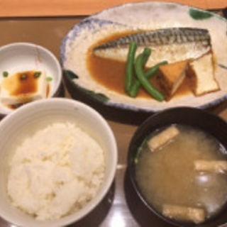 サバの味噌煮定食(やよい軒 川崎駅西口店)