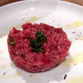 牛肉のタルタル ユーゴスタイル(ユーゴ・デノワイエ 恵比寿店 (HUGO DESNOYER))