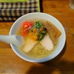 (冷やし)鶏スープと野菜の塩らーめん