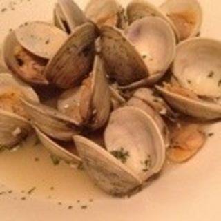 蛤のガーリック白ワイン蒸し
