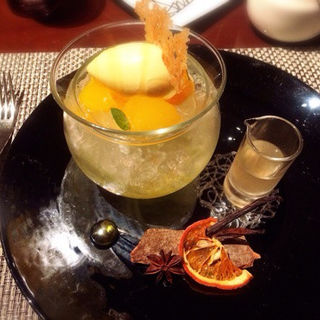 マンダリンオレンジのムースとソルベ(ラ ターブル ドゥ ジョエル・ロブション)