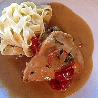 鶏胸肉のフリカッセ トリュフタリアテッレ(ラ・メゾン・キオイ(La Maison Kioi))