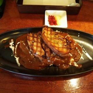 豚の角煮の網焼きステーキカレー(ラ・リーモ )