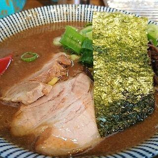 濃厚とんこつラーメン(ラーメン 豚きん (ラーメン ブタキン))