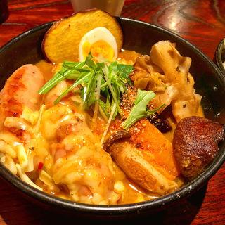 ソーセージとお野菜いっぱいチーズトッピングエビで取ったスープ(奥芝商店 駅前 創成寺 )