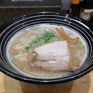 濃厚鶏白湯 醤油らーめん(らーめん専門店 Dragon MAN)