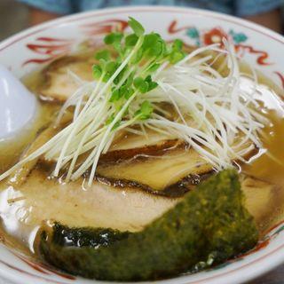 塩チャーシュー麺(らーめん餃子専門 こむさし)