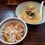松茸と若鶏の白だしつけ麺