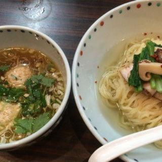 松茸白だしつけ麺(夏麺第6弾)(らー麺 あけどや )