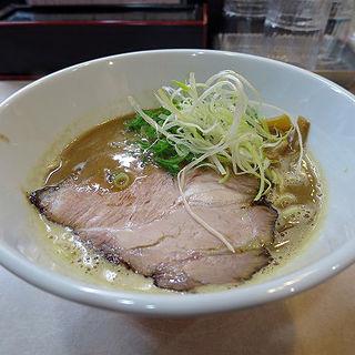 豚骨しょうゆらあー麺(らぁ~麺 SHOU )